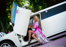 прокат лимузинаchrysler 300с лимузин bentley style ламбо двери крылья ангела
